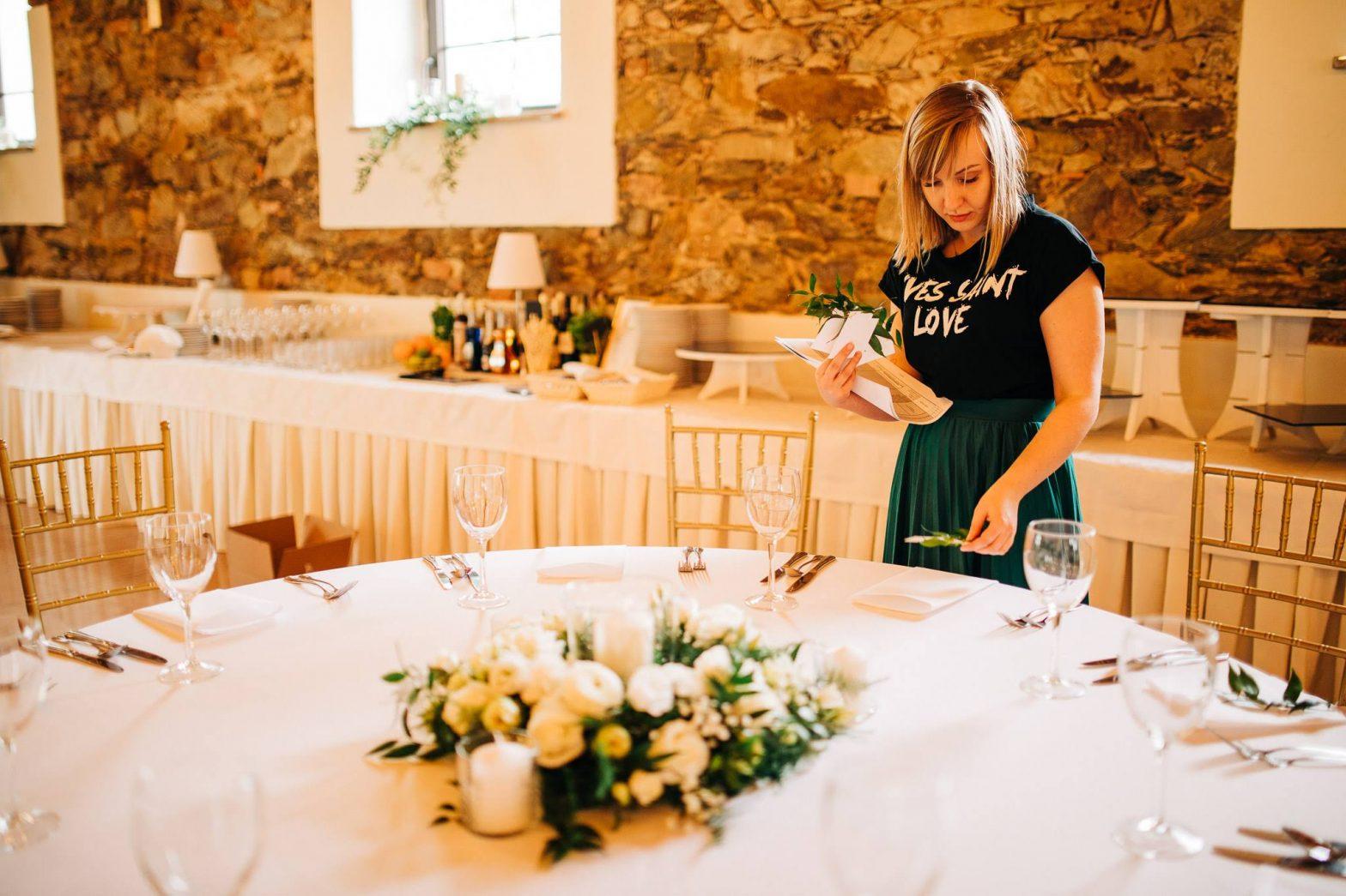 konsultant ślubny podczas organizacji wesela